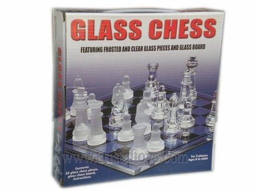 Класически Шах със специални стъклени фигури