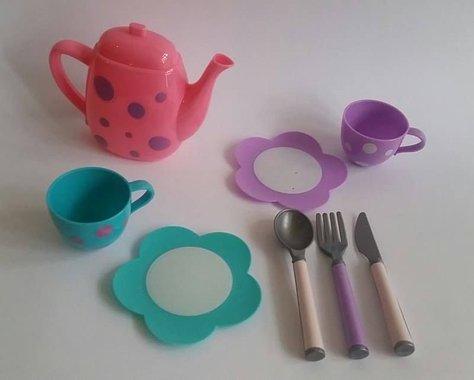 Детски Комплект Кана с чаши за чай  и прибори за кукли