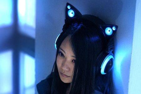 Безжични LED слyшалки с вградени високоговорители