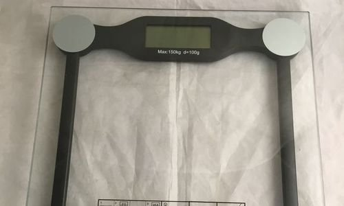 Електронен кантар стъклен дигитален кантар 150 кг