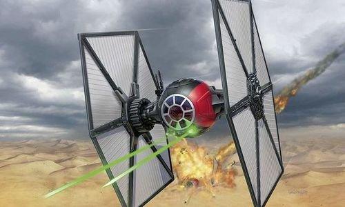 Макет на Космически кораб Star Wars Revell 06693 F