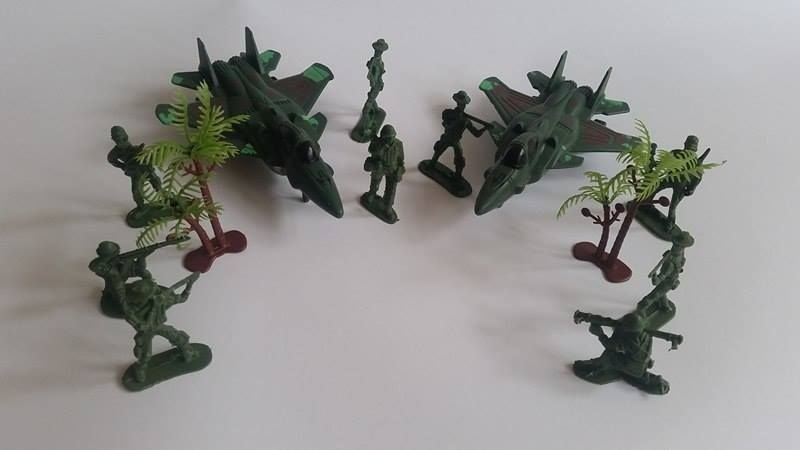 Детски Военен комплект Комбат с войници и със самолети Combat