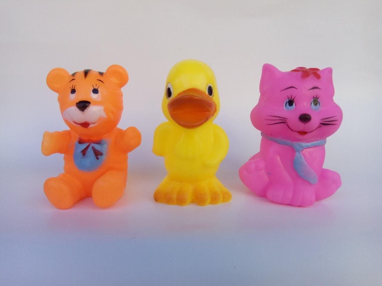 Комплект три броя гумени играчки Пате, Мече и Коте