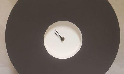 Масивен часовник Horloge Los Angeles 593309 от гип